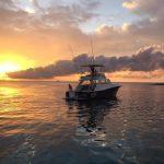 Zonsondergang op het water Curacao